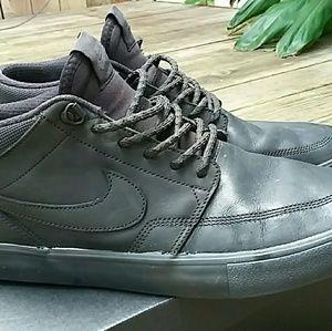 Nike SB Solarsoft Portmore II Mid Skate Shoe